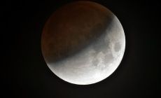 Prima eclipsa de Luna din 2018, vizibila partial si in Romania